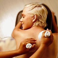 Pinda Sveda Aromatic Steam Massage